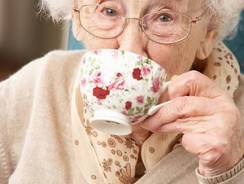 Drinking Tea May Cut Your Risk of Dementia in Half